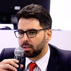 Adriano-Teixeira